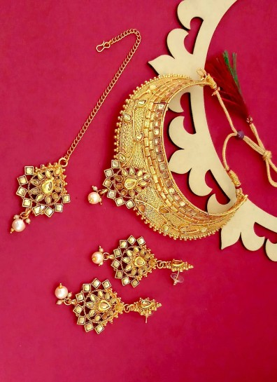 Gold Alloy Necklace Sets