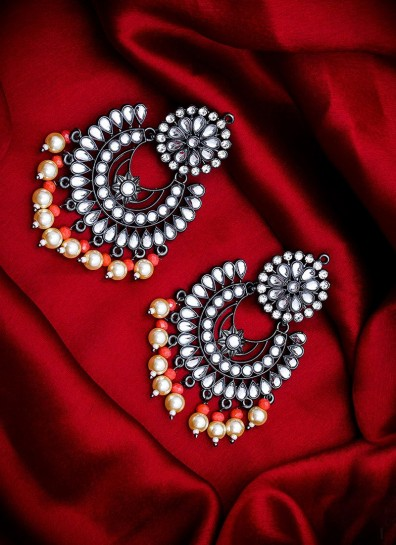 Red Cream Alloy Earing