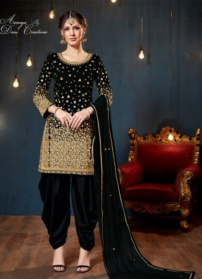 e1bcb29c5b7 Buy Patiala Salwar Kameez   suits Online Shopping-BigBindi